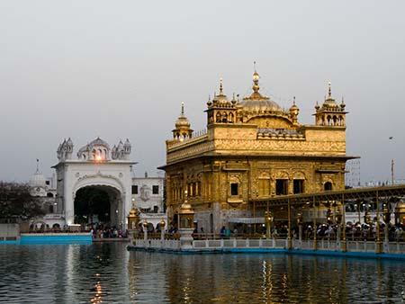 short essay on golden temple Amritsar is a historical as well as greatly holy city amritasr is also called the city of the golden temple, which makes it greatly religious it is a famous city of the state of punjab and is not very far from the border of pakistan it is known for its industries and beautiful bazars the golden temple itself is a place of.