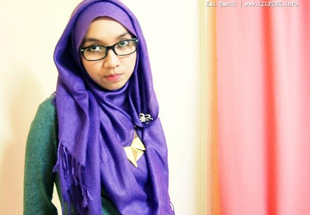 Simple Hooded Hijab Tutorial For Short Necklaces