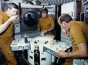 What Astronauts Eat?