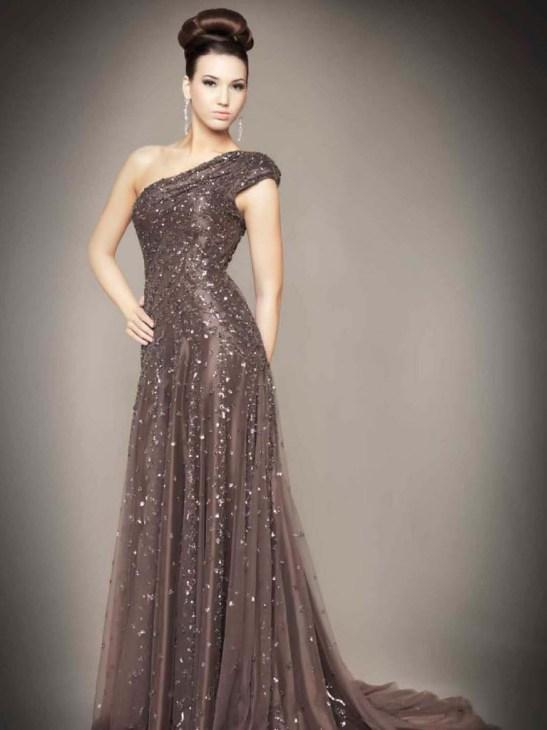 Haute couture dresses for the new year s eve party are for Where to buy haute couture dresses