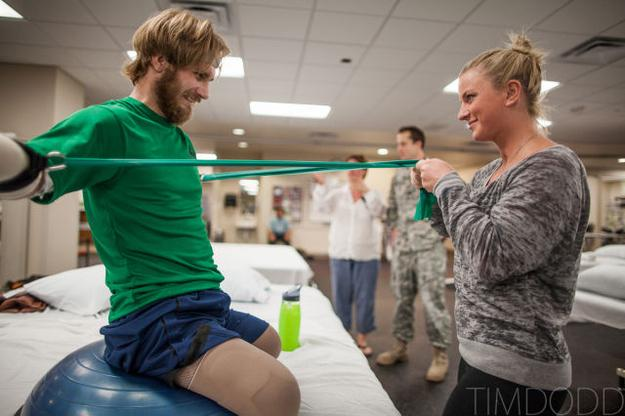 Quadruple amputee veteran recovers with love of his HS sweetheart