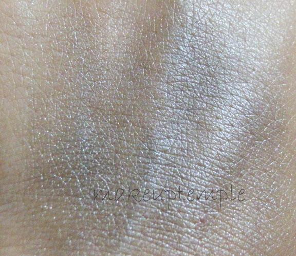 525PR Makeup City Mineral Eye Dust Carbon