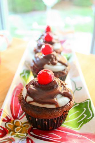 Chocolate Cherry Coke Cupcakes