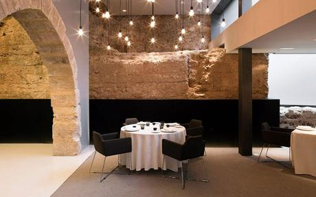 Color roundup rustic stone and brick used in interior for Design hotel valencia spain