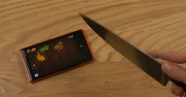 Video: Play Fruit Ninja on Nokia Lumia 920 with Real Knife