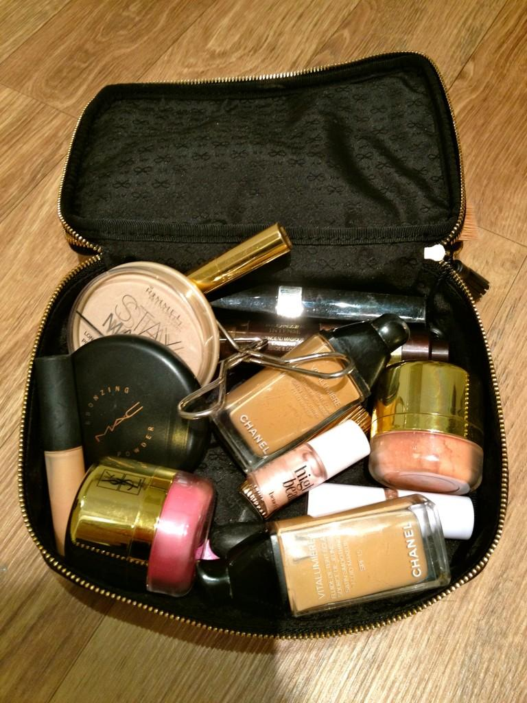 Chocolate Fashion Coffee: What's in my make-up bag?
