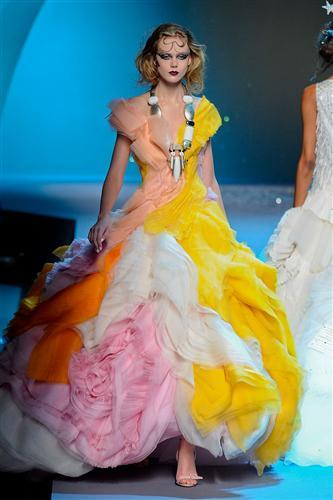 DIOR haute couture 2011my commentary Each comment corrisponds with the photos directly...