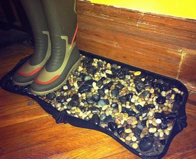 Diy Pebble Boot Tray Paperblog