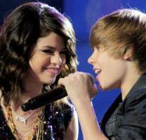 Selena Gomez and Justin Bieber Karaoke Duet
