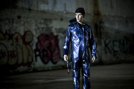 Kwanten as Griff in blue suit (Indomina Releasing)
