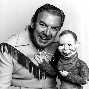 [Image: vaudeville-ventriloquist-dummy-portraits-L-z1vhtA.jpeg]