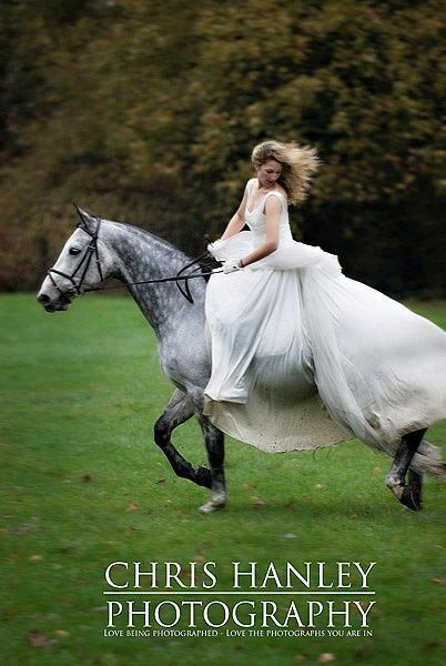 bride on horseback photoshoot (16)