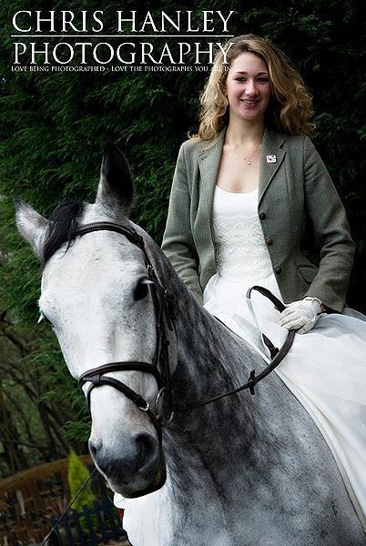 bride on horseback photoshoot (5)