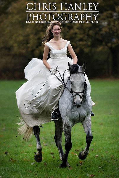 bride on horseback photoshoot (17)