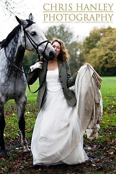 bride on horseback photoshoot (19)