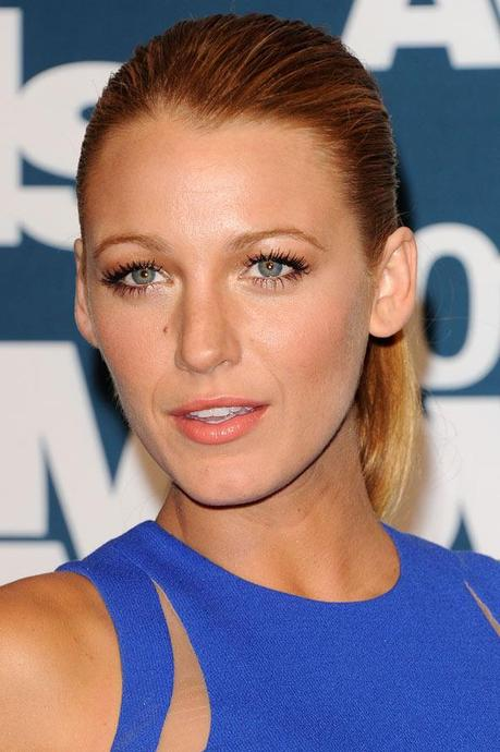(Almost) Wordless Wednesday - Blake Lively!