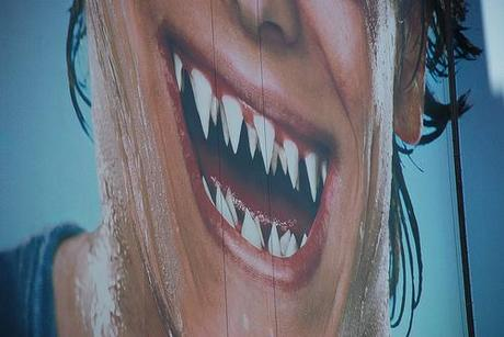 Outdoor Ads with Teeth | thehangline.com
