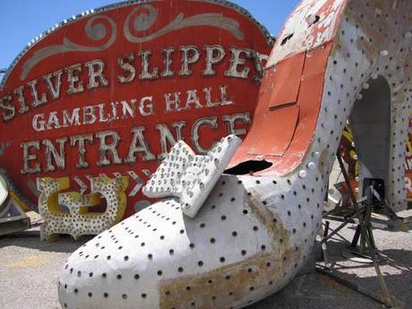 Las Vegas Neon Boneyard Museum CityBlog Las Vegas #1: las vegas neon boneyard museum cityblog las v L rWeeXU