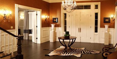Foyer in Bill Compton's home Season 4