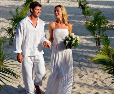 Cool casual beach wedding dress ideas groomcasual wedding for Beach wedding dress code
