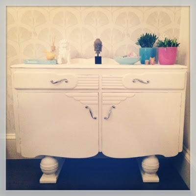 DIY Annie Sloan chalk paint sideboard makeover ♥