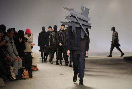 10 Interesting Pictures of London Fashion Week 2013