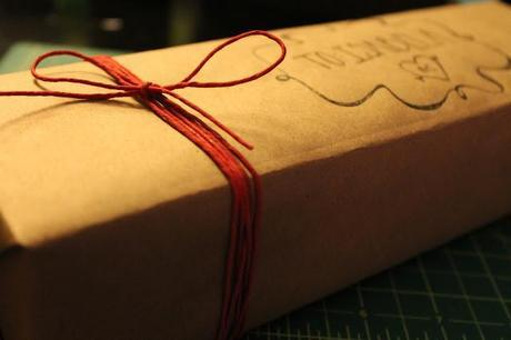 Gift Giving : Wraps and Guides