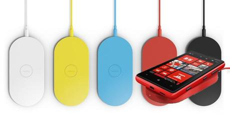 Nokia Lumia 920 and wireless charger