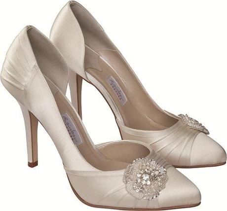 Sasso bridal shoe Image sup plied by Perdita s Wed ding Shoes