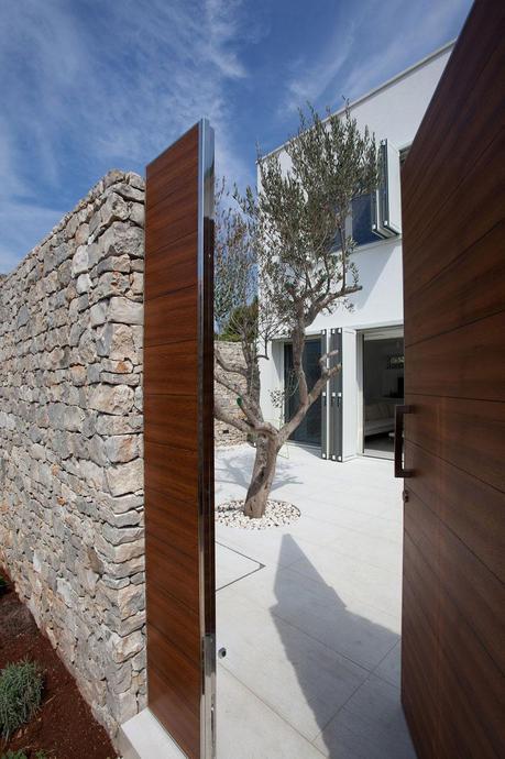 O House by Architectural Studio Fabijanić 2
