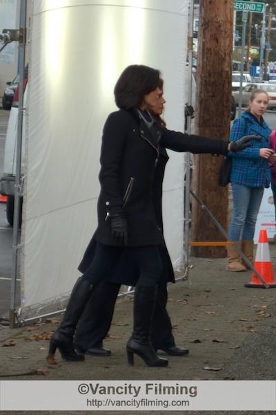 Spoiler pix: Cora and Regina reunite for…