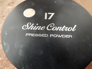17 Shine Control Pressed Powder