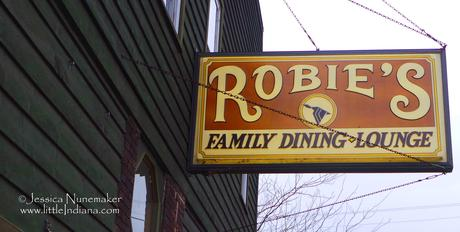 Robie's family Dining and Lounge: Attica, Indiana