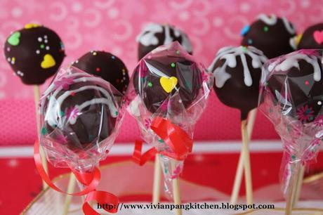 Chocolate Snowflake Cake Pops