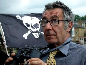 Piratical comedian Malcolm Hardee (photograph by Vincent Lewis)