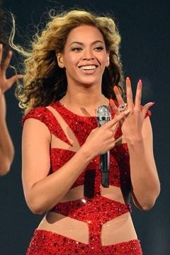 Beyonce-Brit-awards-2013