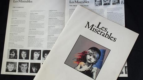 les miserables essay outline A short summary of victor hugo's les misérables this free synopsis covers all the crucial plot points of les misérables.