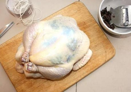 TRUFFLED ROAST CHICKEN: EASY AT HOME SOUS-VIDE COOKING