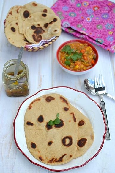 Wholewheat Naan with Spicy Corn Curry