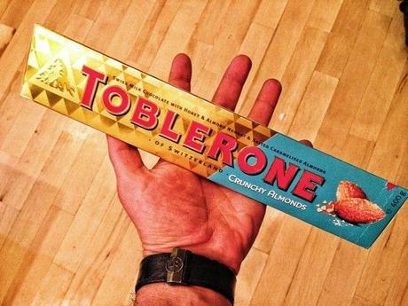 Toblerone_New_Chocolate_Salted_Caramelised_Almonds10
