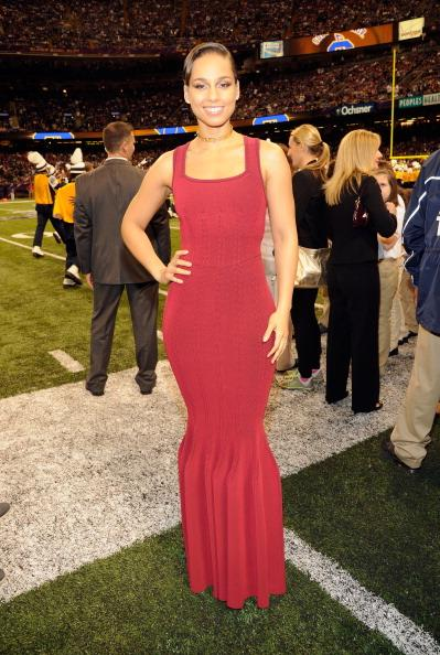 Celeb Style: Alicia Keys sang the National Anthem during Super...