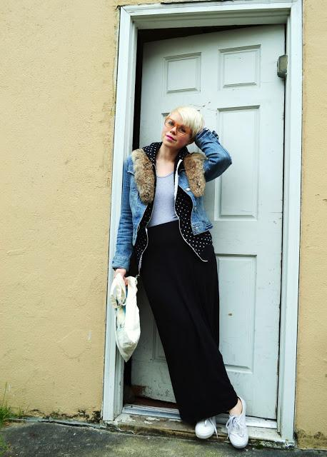 Fleur d'Elise, Seattle, casual style, short blonde hair