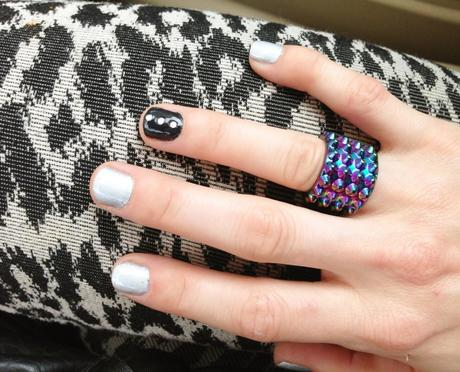 holographic manicure
