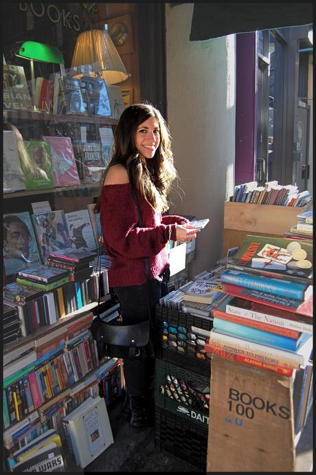 De Facto Bookshelves & Dawson's Creek