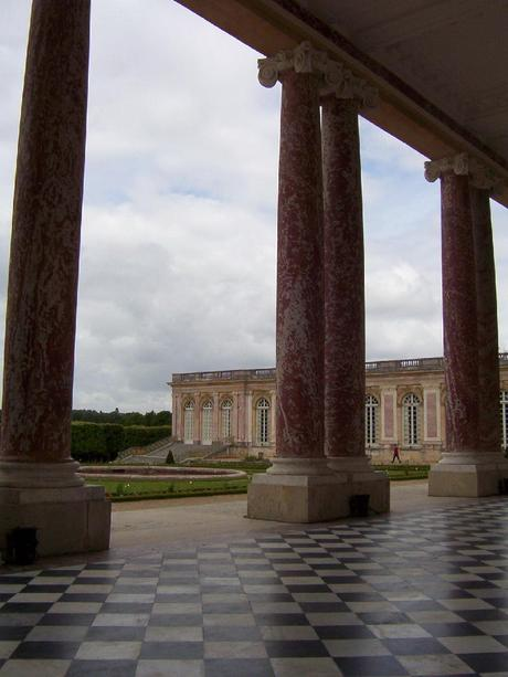 palace of versailles essay Versailles is one of the largest, most elaborate, royal palaces ever built this huge and magnificent palace started as a hunting lodge that was built for king louis xiii in 1624.