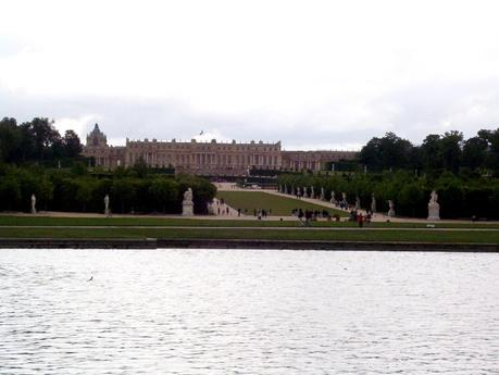 essay on palace of versailles Read this essay on paper on palace of versailles come browse our large digital warehouse of free sample essays get the knowledge you need in order to pass your.