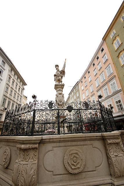 Alter Market Statue