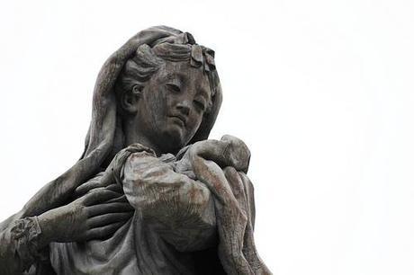 Dom Platz Statue