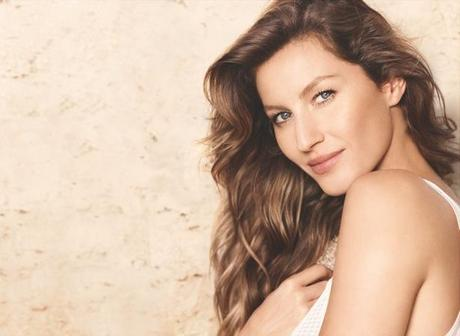 """Gisele Bundchen for Chanel Campaign with """"Les Beiges"""" Collection by Mario Testino"""