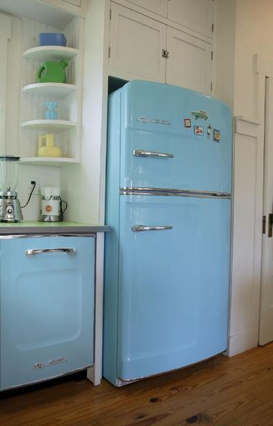 Green Formica with a metal edge. It might look good with our Big Chill too.